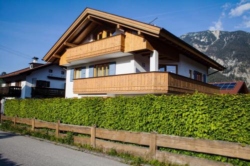 Unser Haus mit den Ferienwohnungen